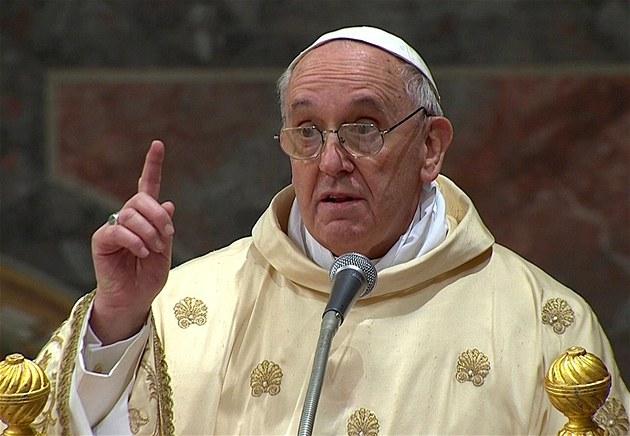 Pape Francois parle