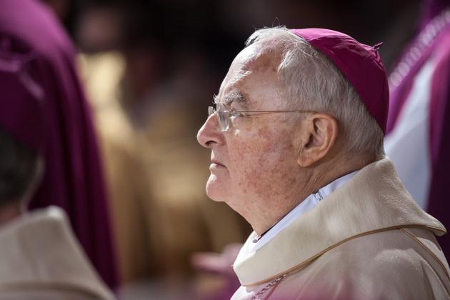 web-arcybiskup-henryk-hoser-east-news